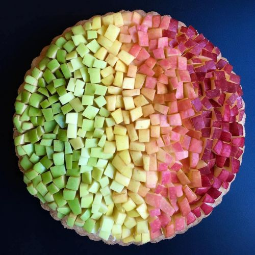 Dazzlingly Gradients and Geometric Designs Baked into New Pies and Tarts by Lauren Ko