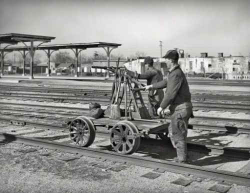 Self-Propelled: 1940