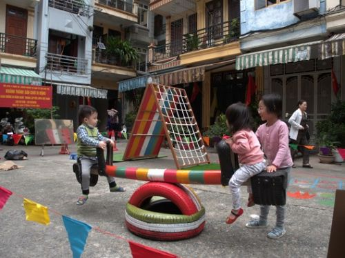 Public Spaces and the Challenges of Covid-19: UN-Habitat's Small-Scale Urban Responses in Vietnam, Bangladesh and India