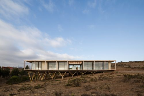 12 Timber Houses in Chile: Material Honesty and Integration With Landscapes