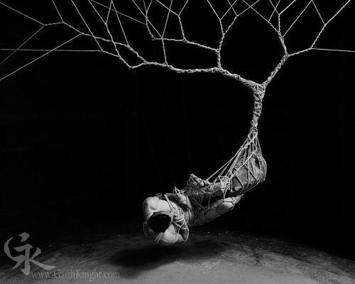 Crossconnectmag: Garth Knight works with and photographs rope