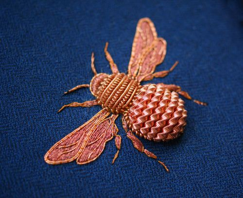 Elaborate Embroidery by Laura Baverstock Forms Insects and Animals from Precious Metals and Colored Threads