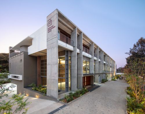 Bangalore International Centre / Hundredhands