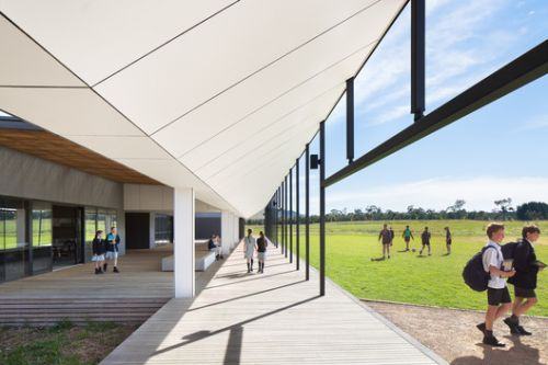 Braemar College Middle School / Hayball