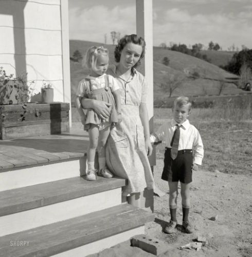 The Howard Smiths: 1941