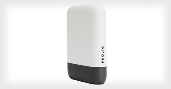 Pholio: A Searchable Hard Drive That's Like an Offline Google Photos