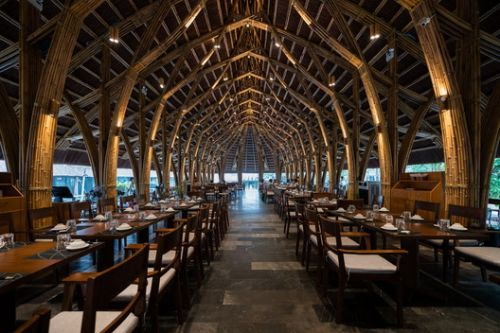 Bamboo Long House Restaurant / BambuBuild