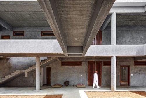 Wood and Concrete: Impressive Examples in Indian Architecture