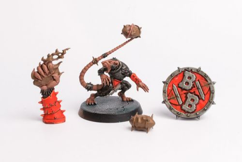 WIP: Blood Bowl Skaven Thrower & Tokens