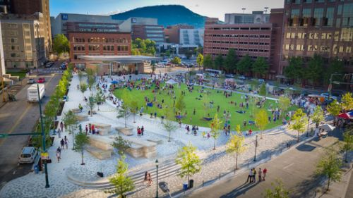 Miller Park In Downtown Chattanooga / Spackman Mossop Michaels + Eskew Dumez Ripple
