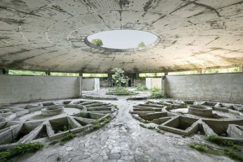 Photos Inside the Ruins of Luxurious Soviet Spas and Sanatoria