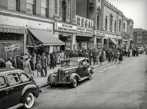 Showtime in Chicago: 1941
