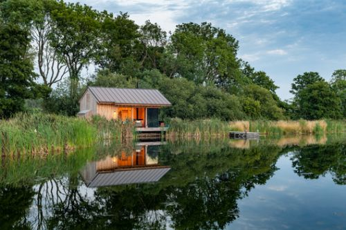 The Lake Cabin / RX Architects
