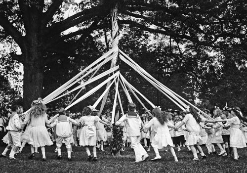 20C - Still Dancing around the MAYPOLE