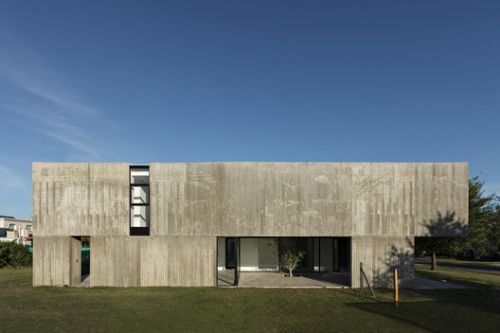 House in La Comarca / Anibal Bizzotto + Diego Cherbenco