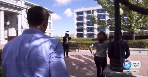 News Station Pays for Photo Shoot to Confront Wedding Photographer