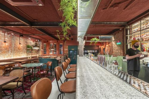 MESA Bar and Restaurant / Laura Mottin Arquitetura