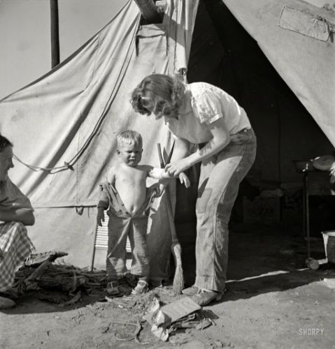 Mommy's Little Soldier: 1939