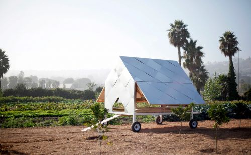 Solar-Powered Chicken Caravan Keeps Farm Birds on the Move