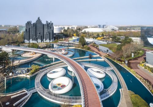 Lily Floating Playground / WAO - Wild Architectural Obj