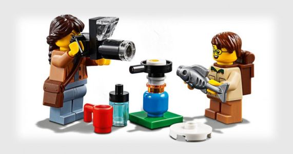LEGO's New People Pack Has a Female Wildlife Photog