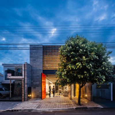 Atelier House at Charlote Village / grupoDEArquitetura
