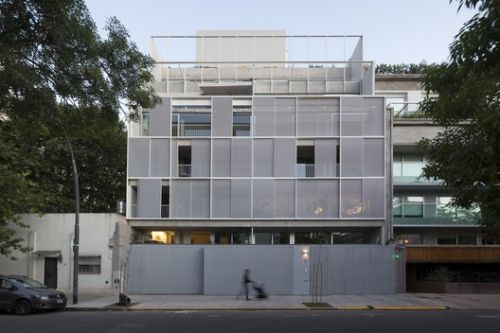 Housing Building Sucre 812 / Ana Smud + Alberto Smud
