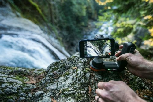 Freefly Movi is a Cinematic Gimbal for Your Smartphone