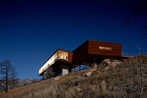 Timber and Stone: Boulder's Pristine Mountain Homes