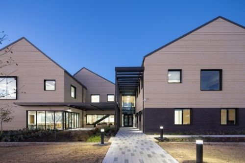 Family Health Center on Virginia / MASS Design Group
