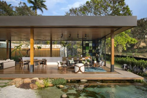 Brazilian Houses: 20 Examples of Wood Design
