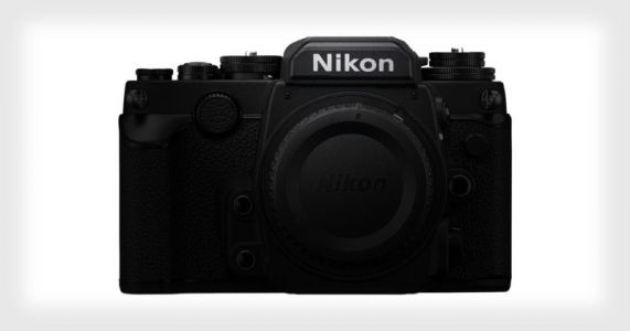 Nikon Pro Mirrorless Coming Along at a 'Rapid Pace', Launch Within a Year