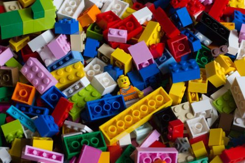 """LEGO Prices Drop After Company Reports """"Too Much"""" Stock in Warehouses and Stores"""