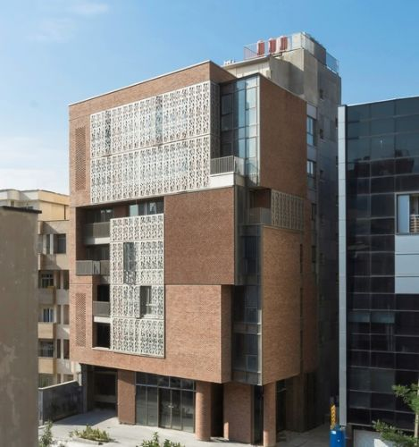 Nahid Office Building / Atizist Consulting Engineers