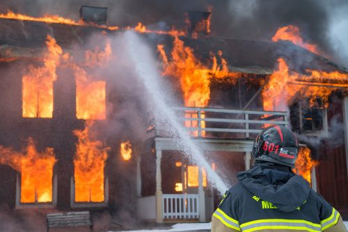 Wedding Photographer Loses Photos in a Fire, Only Offers 90% Refund