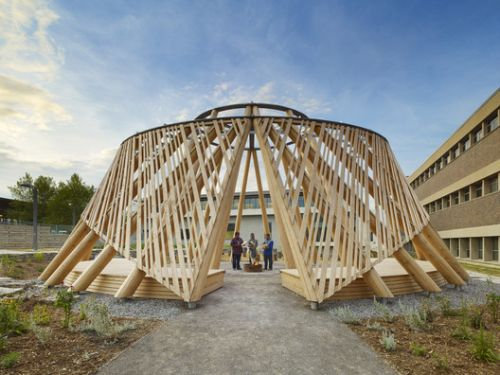 HOOP Dance Gathering Place / Brook McIlroy