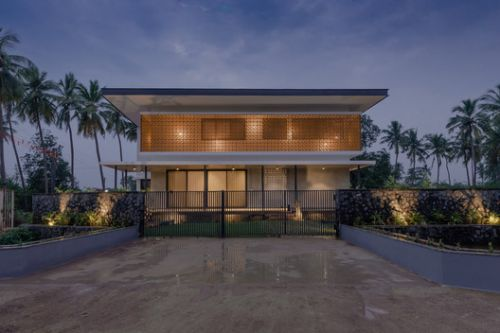 House in a Grove / STO.M.P