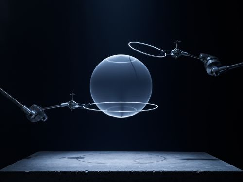 A Minimal Photographic Series Visualizes the Seven Base Quantities of Physics