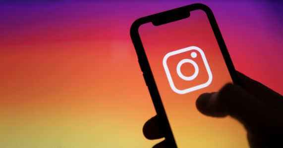 44 State AGs Call on Facebook to Abandon Instagram for Kids