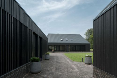 Two Detached New Homes and a Studio-Shed / VANDERSALM-aim