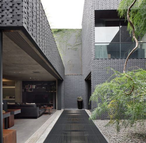 AW Residence / andramatin
