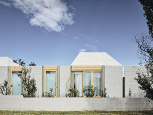 Bellows House / Architects EAT