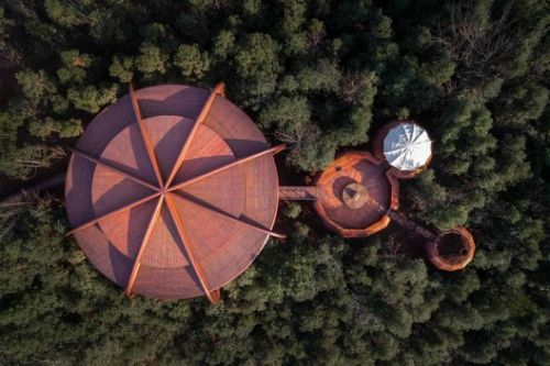 The Tree House in Qiyun Mountain / Atelier Design Continuum