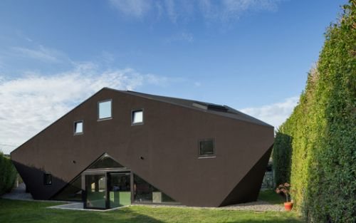 Tri House / Urban Agency