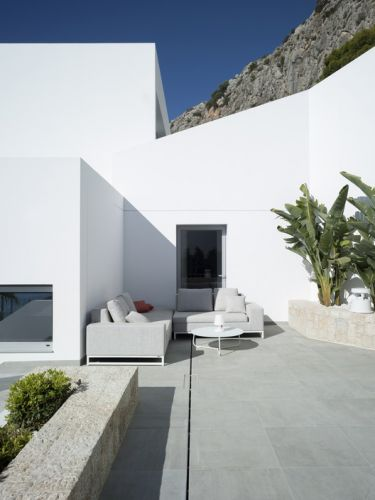 A Viewpoint Towards the Landscape / RGB arquitectos