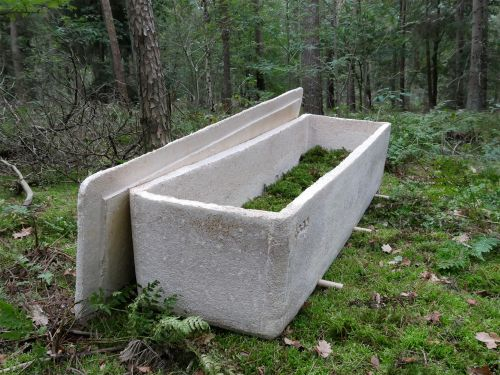 A Compostable Coffin Designed by Bob Hendrikx Grows from Mushroom Mycelium