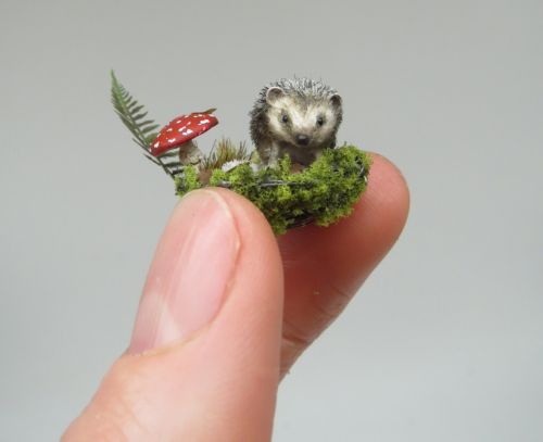 Precise Replicas Cast Wildlife and Plants as Delightfully Tiny Sculptures