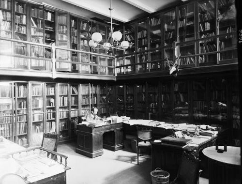 Flashback Friday: Behind the Scenes at Smithsonian Libraries