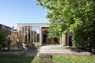 Wooden Box House / Moloney Architects