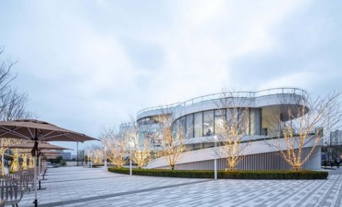Innovation and Experience Hub of Canal Vanke Centre / HCD